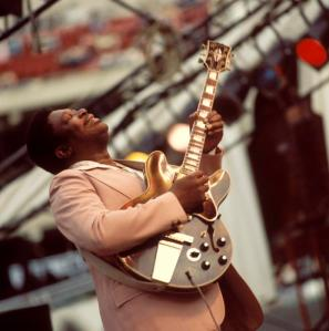 Photo of BB King performing live onstage,  (David Redfern/Redferns)