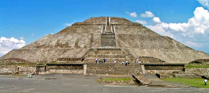 Pyramids And The Bloodthirsty Aztec Culture – johnwhye