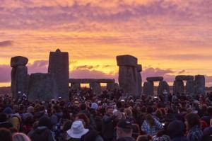 stonehenge10druids