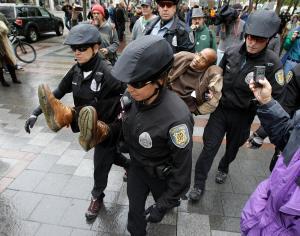 badcops6oldprotestors
